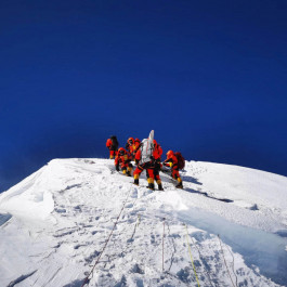New Climber! China's 5G Signal Ascends to the Summit of Mount Everest