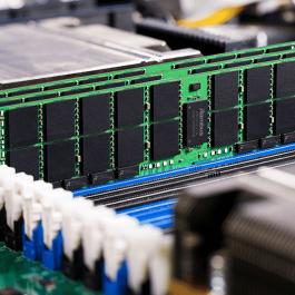 4 Key Components of a Server: CPU, Memory, Hard Disk & RAID Card