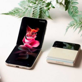 All-round Self-developed Technology, Samsung Galaxy Z Flip3 5G Foldable Screen Leads the New Trend
